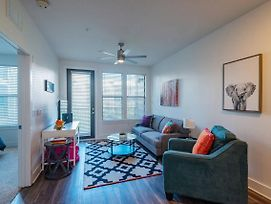 Funky + Fresh 1Br Apt In Hyde Park W/ Parking photos Exterior