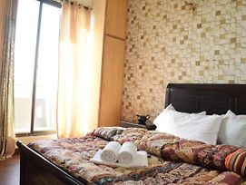 2 Bedrooms Furnished Apartment With Wifi, Ac, And View photos Exterior