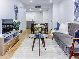 Beautifully Furnished Inner-City Pad photos Exterior