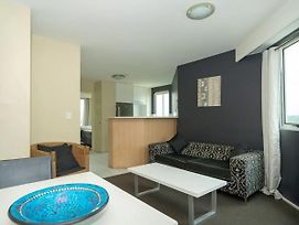 Comfortable 2 Bedroom Apartment With River Views photos Exterior