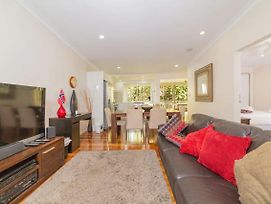 Renovated 3 Bedroom Home In Petrie Terrace photos Exterior