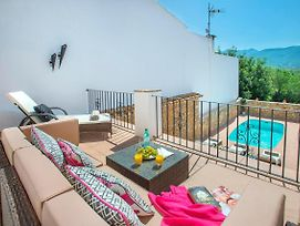 Lliber Villa Sleeps 6 photos Exterior