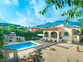Jalon Villa Sleeps 4 With Pool And Air Con photos Exterior