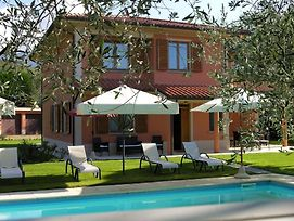 Montemarciano Villa Sleeps 10 With Pool And Wifi photos Exterior