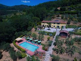 Massa Villa Sleeps 9 With Pool And Wifi photos Exterior
