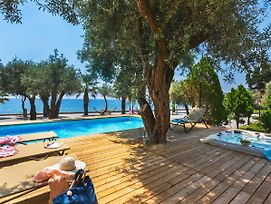 Letojanni Villa Sleeps 8 With Pool Air Con And Wifi photos Exterior