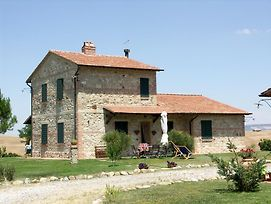 Castiglione D'Orcia Villa Sleeps 12 With Pool And Wifi photos Exterior