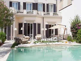 Viareggio Villa Sleeps 19 With Pool And Wifi photos Exterior