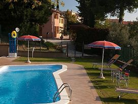 Montecarotto Villa Sleeps 12 With Pool And Air Con photos Exterior