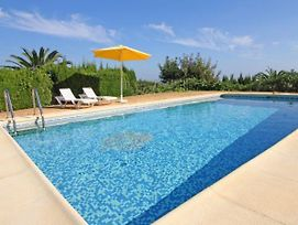 Calpe Villa Sleeps 7 With Pool Air Con And Wifi photos Exterior