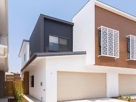 Sweet And Cozy Townhouse In Sunnybank Hills photos Exterior