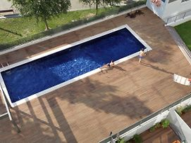 Taulat Diagonal Mar Pool Apartments photos Exterior