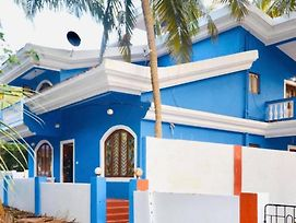 Bluelagoon Villa 2Mins Walk To Candolim Beach photos Exterior