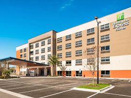 Holiday Inn Express & Suites Jacksonville - Town Center photos Exterior