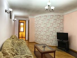 Home Elite Yerevan - Two-Bedroom Apartment In Baghramyan Avenue photos Exterior