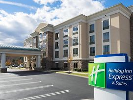 Holiday Inn Express Hotel & Suites Stroudsburg-Poconos photos Exterior