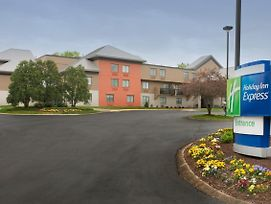 Holiday Inn Express Nashville Airport photos Exterior