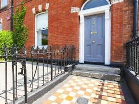 3 Bedroom Townhouse Close To Dublin City Centre Mouy60 photos Exterior