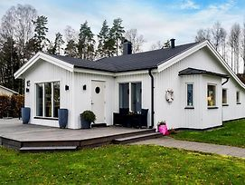 Awesome Home In Hokerum W Sauna And 4 Bedrooms photos Exterior