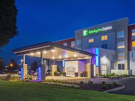 Holiday Inn Express Chesapeake - Norfolk photos Exterior