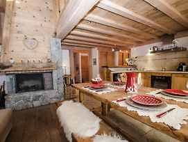 Apartment In Duplex Of A Chalet Located In The Area Of Les Pecles photos Exterior