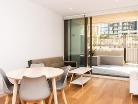 Modern Apartment In Sydney'S Cbd photos Exterior