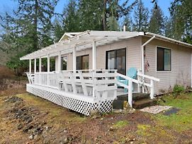 Waterwheel Waterfront Cabin photos Exterior