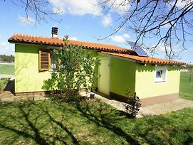 Charming House Surrounded By Greenery, 2 Km From Famous Pula photos Exterior