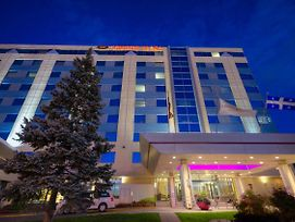 Crowne Plaza Montreal Airport photos Exterior
