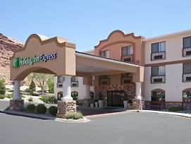 Holiday Inn Express Hotel & Suites Moab photos Exterior