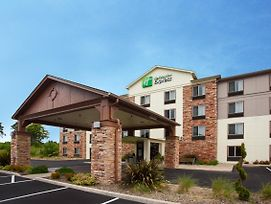 Holiday Inn Express Hotel & Suites Newport photos Exterior
