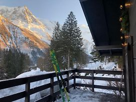 Chalet With One Bedroom In Chamonix Mont Blanc With Wonderful Mountain View And Furnished Garden 10 M From The Slopes photos Exterior