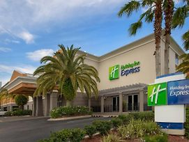 Holiday Inn Express Jacksonville Beach photos Exterior