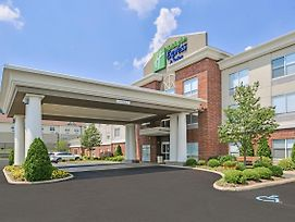 Holiday Inn Express & Suites Parkersburg-Mineral Wells photos Exterior