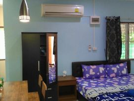 Studio With Aircon N Kitchen photos Exterior