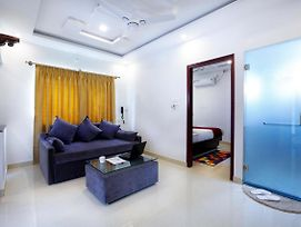 Ipalace Luxury Service Apartment And Hotel photos Exterior