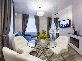 New Luxury Apartment In The Center On Konstitution Square photos Exterior