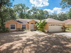 Peaceful Whispering Oaks Villa* Home photos Exterior