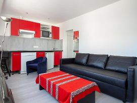Beautiful Bright Apartment 750M From The Louvre photos Exterior