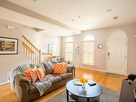**Make Yourself At Home In Dc - - Parking ** Location! photos Exterior