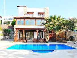 Ortakent Villa Sleeps 9 With Pool And Air Con photos Exterior