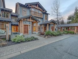 The Bluffs At Taluswood By Resortquest Whistler photos Exterior