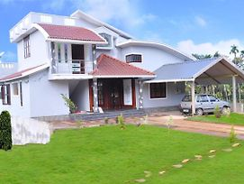 Chamayam Holiday Villa photos Exterior