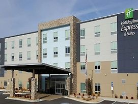 Holiday Inn Express & Suites Macon North photos Exterior