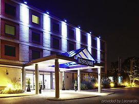 Novotel London Heathrow photos Exterior