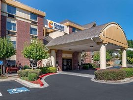 Comfort Inn & Suites Suwanee - Sugarloaf photos Exterior