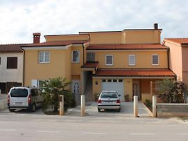 Apartments For Families With Children Stinjan Pula 7423 photos Exterior