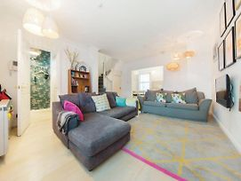 3Bed2Bath House Steps Away From Kings Cross photos Exterior