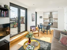 Beautiful 2 Bed Flat With Terrace In East London photos Exterior