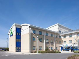 Holiday Inn Express Cardiff Airport photos Exterior